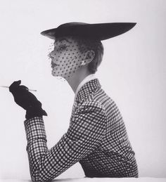 Irving Penn, Lisa Fonssagrives wearing a bicorne skimmer by Lilly Daché, Vogue, 1950