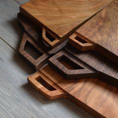 Walnut Yamazakura #cuttingboard #walnut #山桜 #woodwork #handmade #handcraft  #ハンドメイド #木工#手作り#boards #パンガナイト