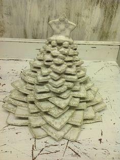 Stoneware stacked Christmas tree £30.00