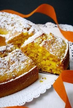 E sì, data l'abbondanza di zucca in questo periodo, ho voluto sperimentare anche questa: la ciambella zucca e granella di nocciole! Preparata rigorosamente Torte Cake, Cake & Co, Fun Desserts, Dessert Recipes, Raspberry Coffee Cakes, My Dessert, Sweet Cakes, Pumpkin Recipes, Italian Recipes
