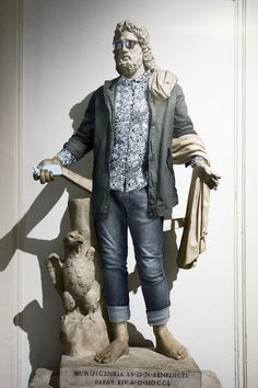 Photography Project: Hipster in Stone by Leo Caillard Ancient Greek Sculpture, Greek Statues, Leo, Journal Du Design, Empire Romain, Hipster Outfits, Hipster Clothing, Hipster Art, Greek Art