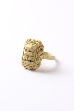"""""""Ring #285"""" by Karl Fritsch. 2014. 18k gold, coloured diamonds."""