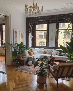 Bohemian Latest and Stylish Home Decor Design and Lifestyle Ideas - Bohemian Living Rooms Interior Design Minimalist, Home Interior Design, Interior Decorating, Interior Modern, Gypsy Decorating, Interior Colors, Traditional Interior, Living Room Decorating Ideas, Living Room Decorations