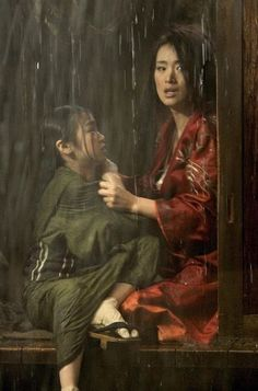 Suzuka Ohgo and Gong Li in Memoirs of a Geisha directed by Rob Marshall, 2005 Colleen Atwood, Gong Li, Zhang Ziyi, Michelle Yeoh, Drama Fever, Memoirs Of A Geisha, L5r, China Girl, Chinese Actress