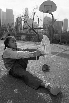 Hip-Hop, Rap, and everything in the realm of it. Whats Wallpaper, Rap Wallpaper, Arte Do Hip Hop, Hip Hop Art, Collage Des Photos, Photo Wall Collage, Photo Trop Belle, Lil Bow Wow, Jamel Shabazz