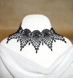 TUTORIAL Pineapple Bead Lace for Bracelet or Choker | MikkiFerrugiaroDesigns - Patterns on ArtFire