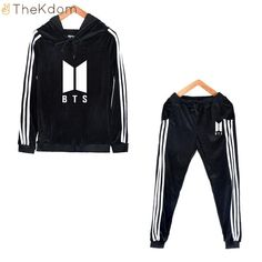 The most current dancewear and good leotards, move, faucet and dance shoes, hip-hop attire, lyricaldresses. Hipster School Outfits, Kpop Outfits, Dance Outfits, Cute Outfits, Bts Hoodie, Bts Shirt, Mochila Do Bts, Kpop Fashion, Fashion Outfits