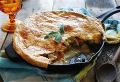 The Best Cast Iron Skillet Recipes For Your Next Meal Skillet Chicken Pot Pie Recipe, Cast Iron Chicken Recipes, Cast Iron Recipes, Recipe Chicken, Baked Chicken, Cast Iron Skillet Cooking, Best Cast Iron Skillet, Iron Skillet Recipes, Skillet Meals