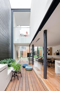 The Bridport House by Matt Gibson Architecture + Design in Melbourne, Australia is a contemporary renovation of a Victorian terrace. Houses Architecture, Architecture Design, Residential Architecture, Fashion Architecture, Contemporary Architecture, Post Contemporary, Contemporary Interior, Courtyard Design, Courtyard House