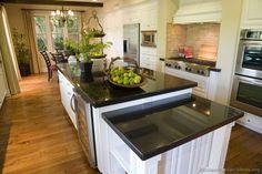 Traditional White Kitchen Cabinets #71 (Kitchen-Design-Ideas.org)