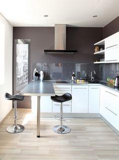 Kitchen with stylish breakfast bar | Breakfast bars, Breakfast bar ...