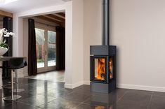 De #Barbas Eco 70 is een vrijstaande #houtkachel die te plaatsen is in zowel alle interieurs. Naast dat de Barbas u een strak en een modern design biedt, biedt de #haard u in alle situaties een hoog rendement. #Fireplace #Fireplaces
