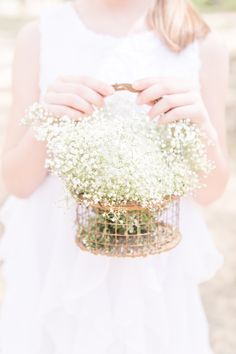 Baby's breath for the flower girl -so sweet & springy!