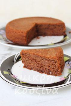 μικρή κουζίνα: Εύκολο σοκολατένιο και αφράτο κέικ χωρίς γλουτένη (χωρίς μίξερ)