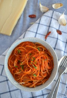 Vegetarian Recipes, Spaghetti, Ethnic Recipes, Food, Meals, Yemek, Veg Recipes, Spaghetti Noodles, Vegetable Dip Recipes