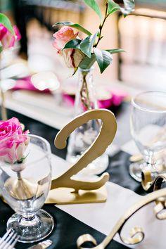 #moderntabledecor #tablenumber @weddingchicks