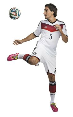 Mats Hummels modelling the 2014 home kit ba218b725
