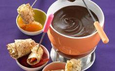 Recette de Mini-crêpes roulées et fondue au chocolat - Paysan Breton
