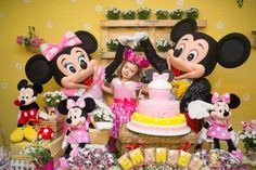 Minnie Mouse Birthday Party #Picnic #Pink #MinnieMouse Boutique Festas