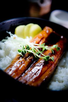Japanese grilled eel over rice - One of my favourite Japanese dishes :D via…