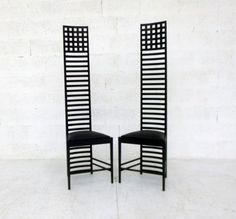 coppia di sedie Hill House design Charles Rennie Mackintosh per Cassina anni 70 in Arte e antiquariato, Modernariato, Mobili, Sedie e sgabelli | eBay