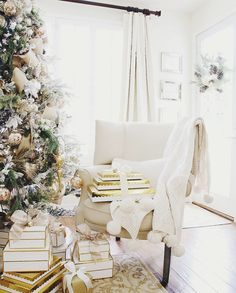 Holiday Inspiration   A Festive Slideshow: More Beautiful Holiday Inspiration for Mid-December