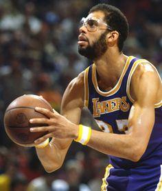 Entertainment News - Latest Celebrity News Basketball Leagues, Basketball Legends, Sports Basketball, Basketball Players, Basketball Stuff, Dodgers, Kareem Abdul Jabbar, I Love La, Sport Icon