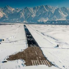 Skardu Airport. Pakistan Tourism, Pakistan Zindabad, Pakistan Travel, Beautiful Places In The World, Wonderful Places, Pakistan Pictures, Airplane Photography, Science And Nature, Beautiful Landscapes