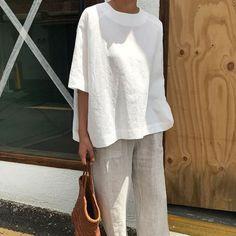 Secrets To Minimalist Fashion Summer Casual Minimal Chic Simple 50 - freehom. Minimalist Fashion Summer, Minimal Fashion, Minimal Clothing, Minimal Outfit, Minimal Dress, Korean Fashion Trends, Korean Street Fashion, Fashion Ideas, Korean Street Style Summer