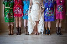 #Mexican #wedding full of color.
