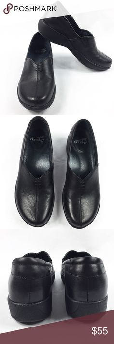 DANSKO BLACK LEATHER CLOGS SZ9 EUC DANSKO black leather clogs in size 9. Excellent used condition, no issues! MAKE AN OFFER 😉 Dansko Shoes Mules & Clogs