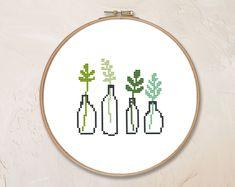 Tiny Cross Stitch, Easy Cross Stitch Patterns, Modern Cross Stitch, Cross Stitching, Cross Stitch Embroidery, Cross Stitch Landscape, Dmc, Needlepoint Patterns, Tiny Flowers