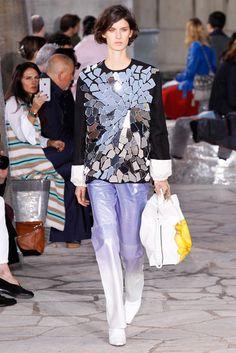 2016春夏プレタポルテコレクション - ロエベ(LOEWE)ランウェイ|コレクション(ファッションショー)|VOGUE JAPAN