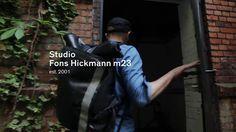 Analog Mensch Digital – Design an der Schnittstelle // Interview Fons Hickmann m23. English subtitle available. #analogmenschdigital #Ausstellung #Berlin #interview #graphicdesign #grafikdesign