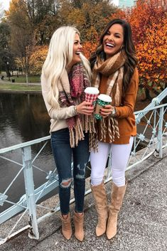 The latest fall outfits for 2019 including adorable flannels with boots, outfits with scarves, leopard print, chunky sweaters, and the cutest fall dresses and skirts. Extremely Gorgeous Winter Wear Ideas For Women Outfits Winter Mode Outfits, Simple Fall Outfits, Mom Outfits, Winter Fashion Outfits, Autumn Fashion, Casual Outfits, Cute Outfits, Latest Outfits, Outfits With Boots