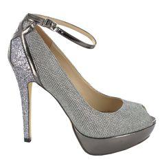 Zapato peep toe con tacón alto y plataforma, en Gris. Cómodos e ideales para cualquier look. Ref.6610 //High heel peep toe shoe with platform, in Grey. Comfy and ideal for any kind of look. Ref.6610