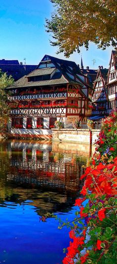 What is your favorite town in Europe? Ours is Strasbough, the cutest place on Earth <3 --->  http://crazzzytravel.com/strasbourg-5-must-see-attractions-cuteness-lovers/