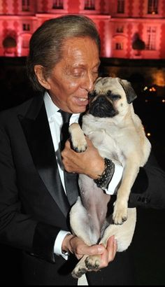Valentino & pug: The only woman he does not dress.