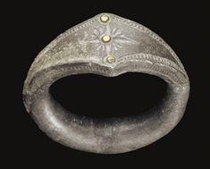 ARCHAIC PERIOD, CIRCA LATE 6TH CENTURY B.C.