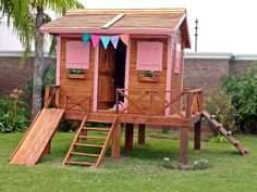 Muebles on pinterest pallets pallet furniture and - Casas de madera infantiles ...