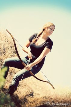 katniss hunger games bow & arrow photography