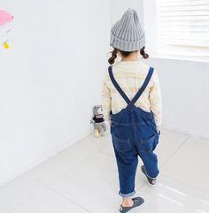 Such a cute little girl! #designerkids #littlefashionistas #fashiongirl #kidslifestyle #fashion #kids #kidsfashion Find more inspirations at www.circu.net