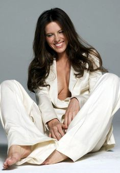 sexy kate beckinsale!! so beautiful from head to pretty toes!!