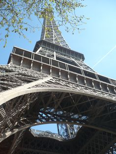 Cheap Travel in Europe. London and Paris on Cheap. Eurotrip, Flights To London, Travel Tips For Europe, Disneyland Paris, Cheap Travel, Eastern Europe, Paris France, Croatia, Places Ive Been