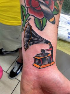 Love!! Tattoo by Miguel Olascuaga