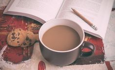 コーヒー, 本, 鉛筆, チョコレート チップ, クッキー, 読書, カップ, マグカップ, スナック, 食品