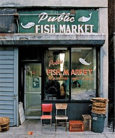Store Front: The Disappearing Face of New York. James and Karla Murray explore New York's rich culture by photographing the city's oldest neighborhood shops. Cafe Bar, Cafe Restaurant, Restaurant Design, Boutiques, Boutique New York, Café Bistro, Shop Facade, School Store, Restaurants
