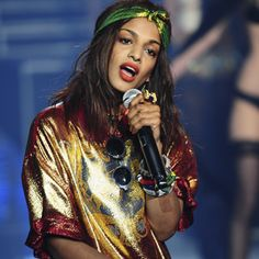 There is a serious lack of talented femcees in hip hop, so thank goddess for M., who has always provided thoughtful lyrics featuring political, social, philosophical and cultural references that defy typical pop princess pro M I A Matangi, Maya, Carmen Miranda, Lily Allen, Pop Fashion, Urban Fashion, Paris Fashion, Street Fashion, Celebs