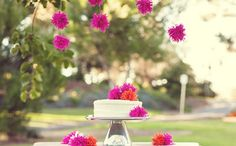 How to Make the Easiest Pom-pom Poof ==> http://www.craftdiyideas.com/how-to-make-the-easiest-pom-pom-poof/