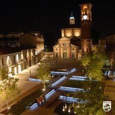 #Philips s'est installé à #Legnano en Italie et illumine la place San Magno !